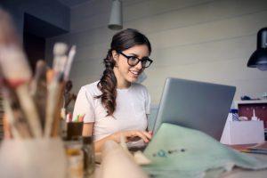 Jak zostać specjalistą ds. kadr i płac?