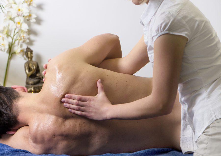 Masaż pleców – Jak wykonać prosty masaż w domu?